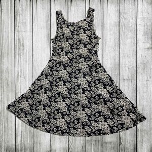 Cute H&M fit & flare black and white floral dress